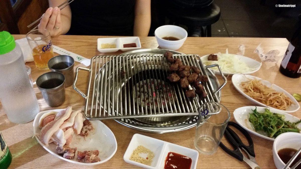 Korean barbecue -illallinen, Busan, Etelä-Korea