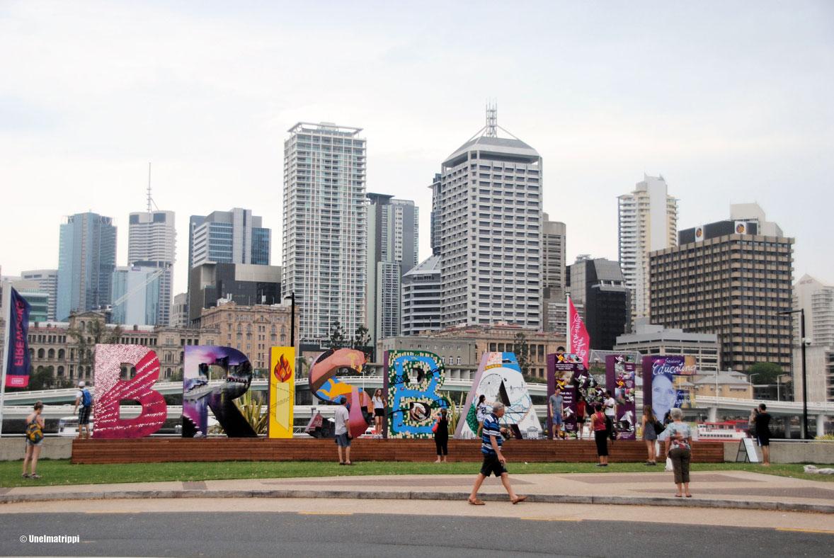 Autolla Australiassa: Brisbanesta surffiparatiisin kautta hippikylään