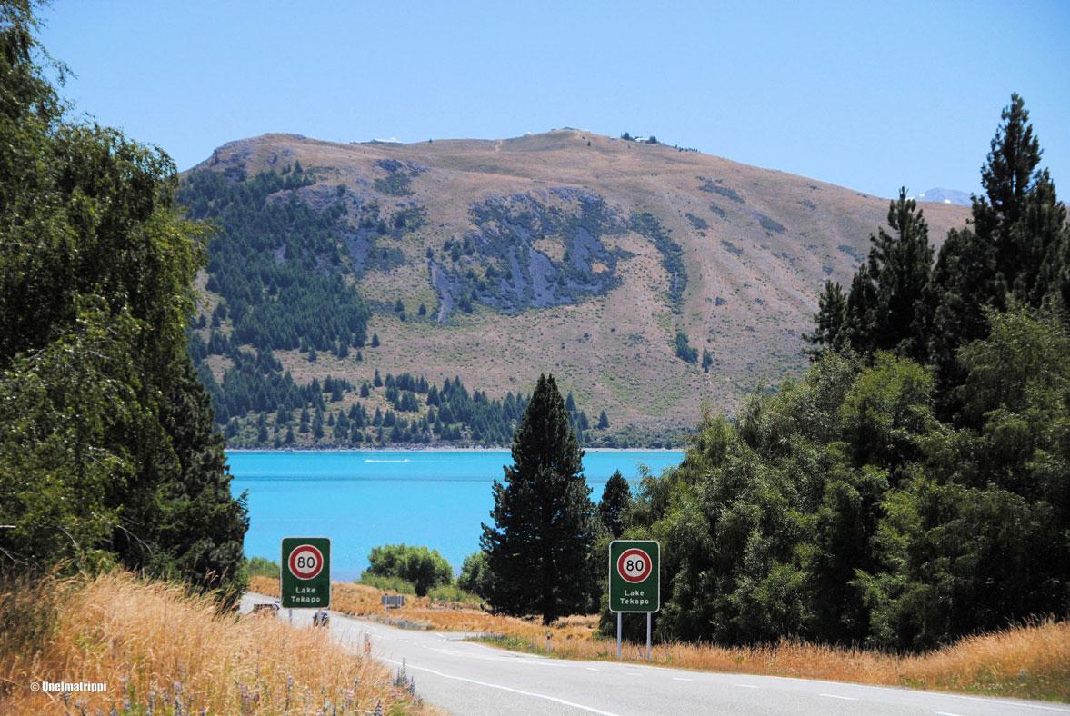 Autolla Uudessa-Seelannissa: Tähtien alla Tekapo-järvellä