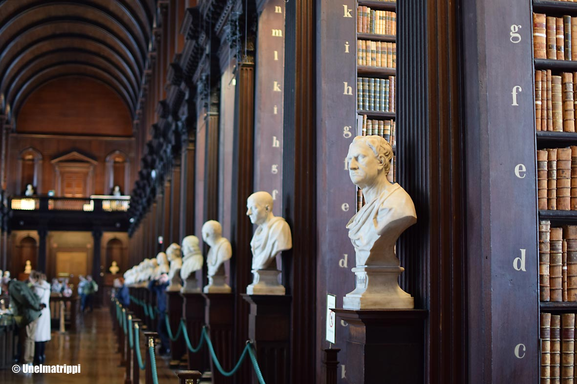 Trinity College Long Room patsaat