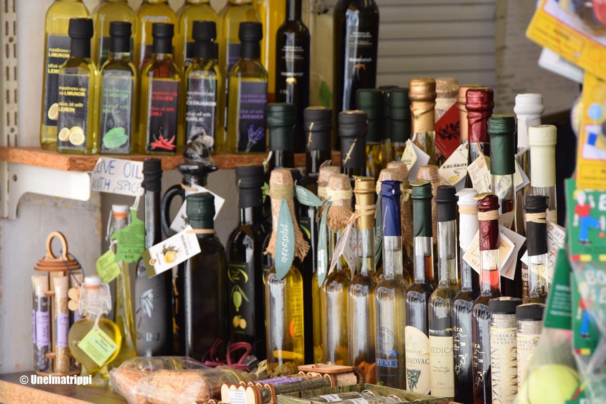 Oliiviöljyostoksilla Kroatian Istriassa