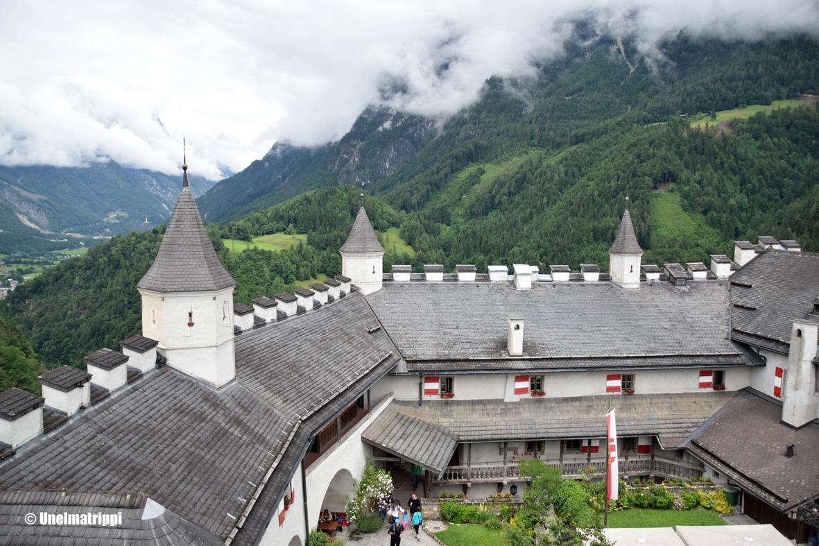 Salzburgin liepeillä: Hohenwerfenin linna