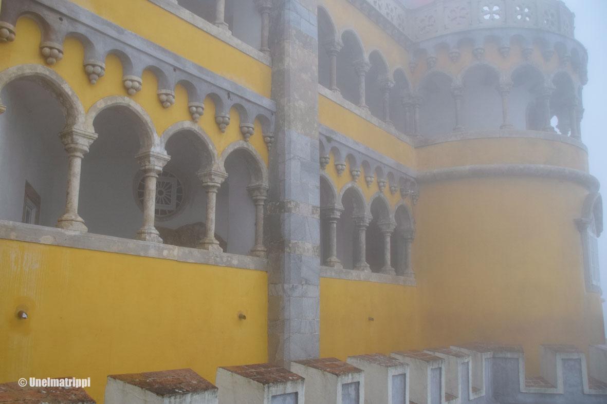 Päiväretki sumuiseen Sintraan