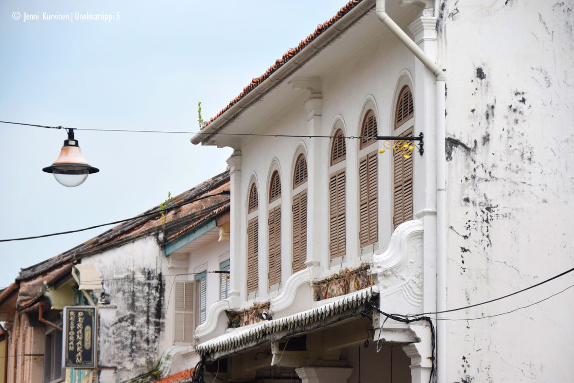 Laiskanlinnassa makoilua – kokemuksia bussimatkustamisesta Malesiassa ja Singaporessa