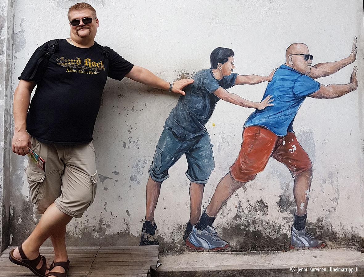 Hemmo ja katutaideteos, George Town, Malesia