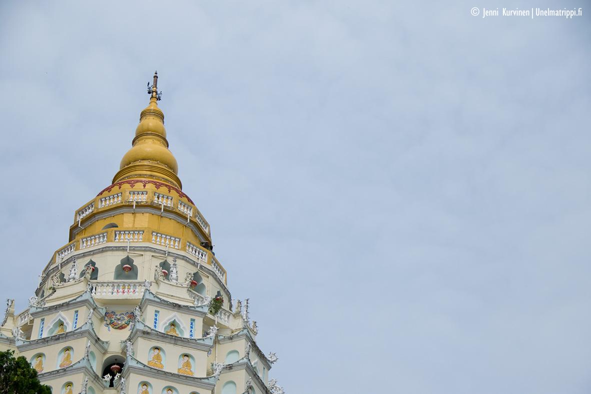 Penang, Malesia: Kek Lok Si -temppeli on värien ilotulitusta