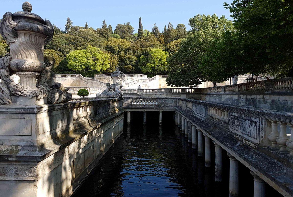 Autolla Euroopassa: Nîmes, kaunis historiallinen kaupunki
