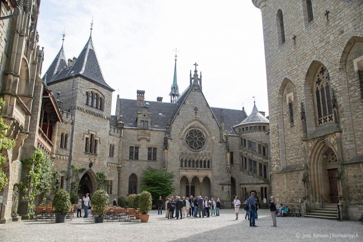 Autolla Euroopassa: komea Marienburgin linna