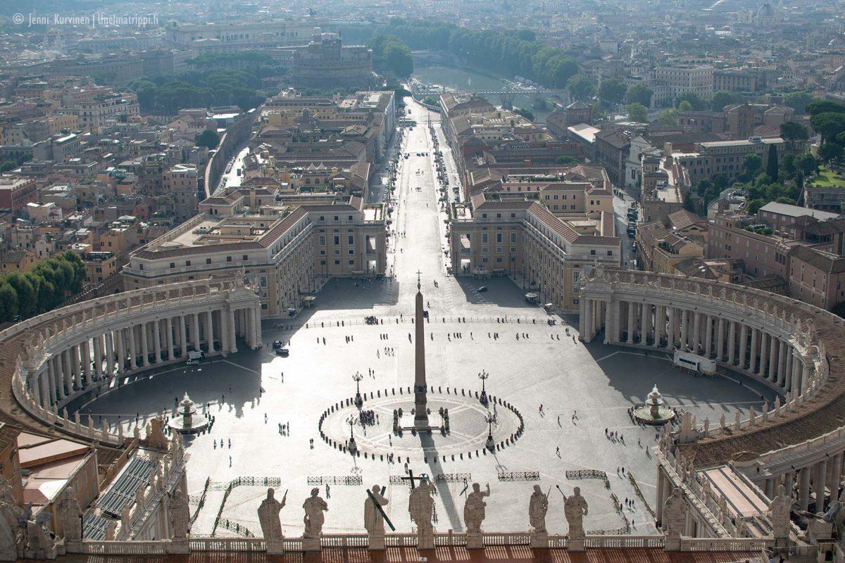 Pietarinaukio, Vatikaani