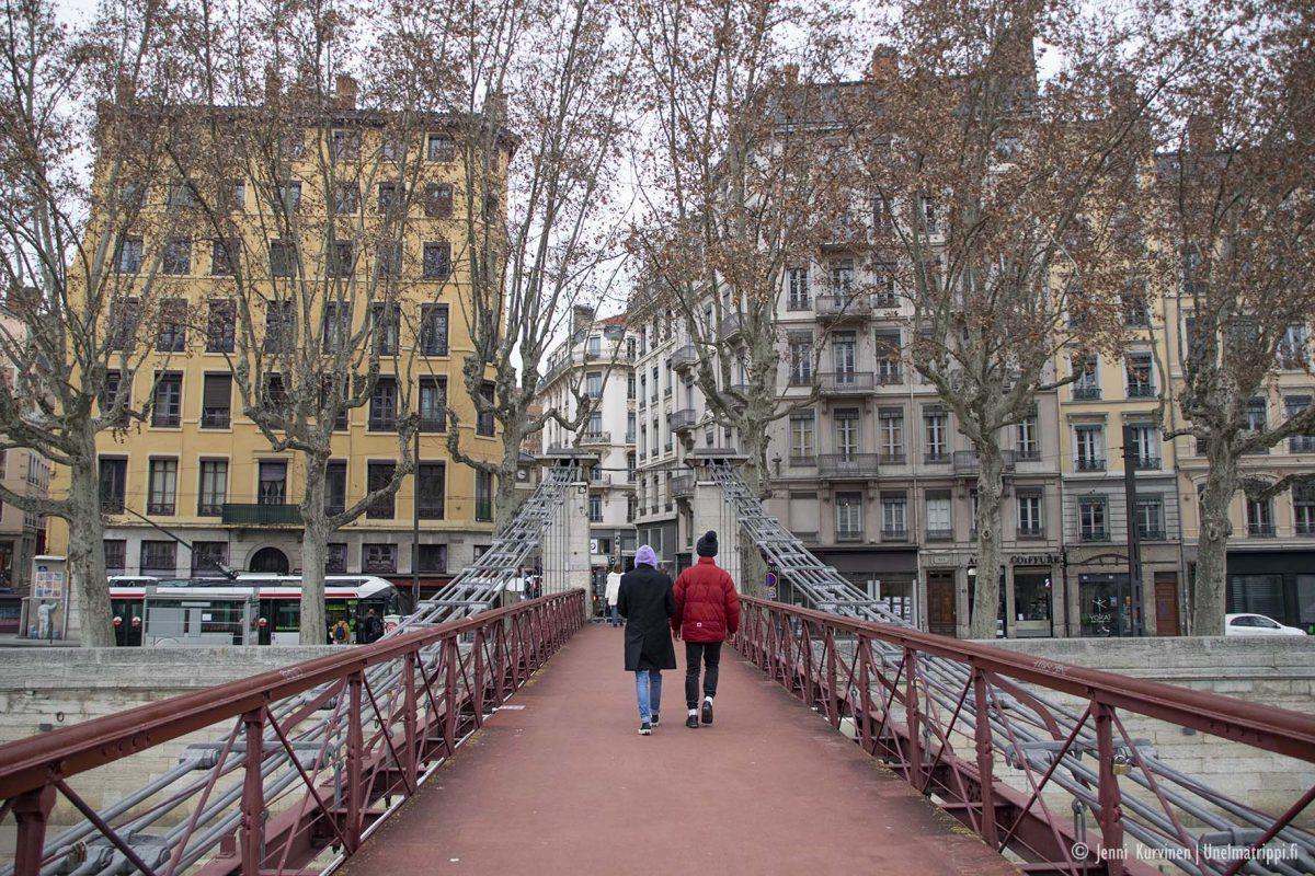 Salaisten käytävien ja muraalien Lyon