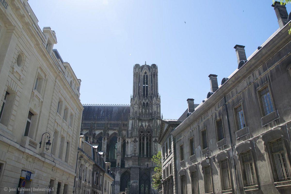 Samppanjakaupunki Reims ja vierailu Taittingerin samppanjatalolla