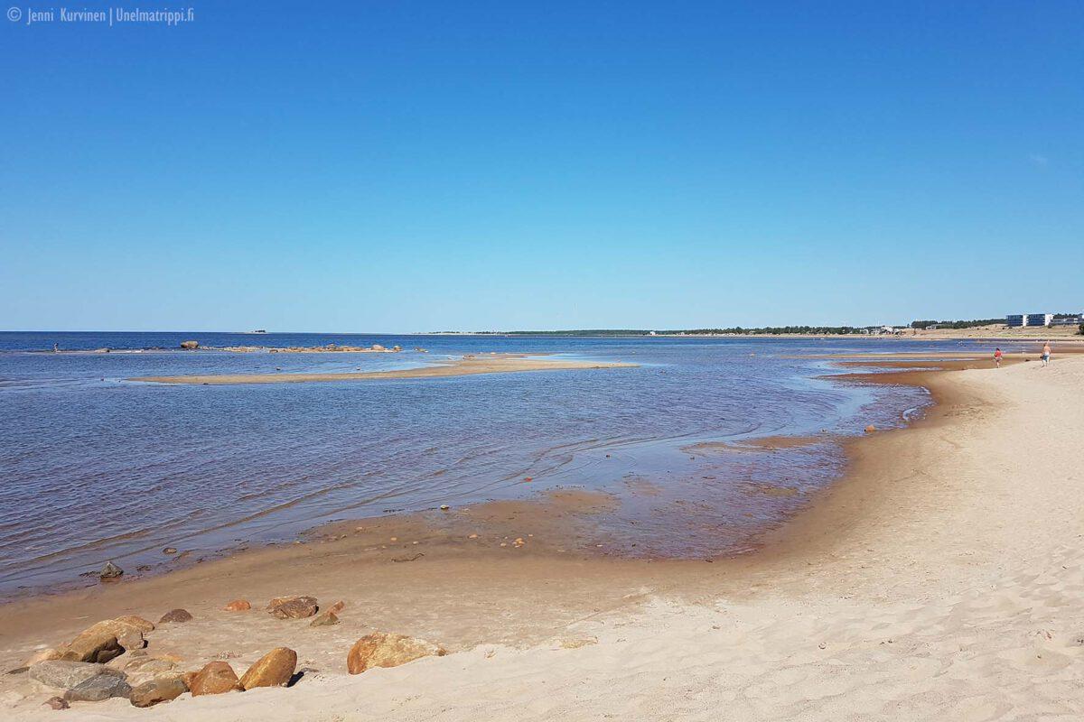 Leppoisia kesäpäiviä Kalajoen hiekkasärkillä
