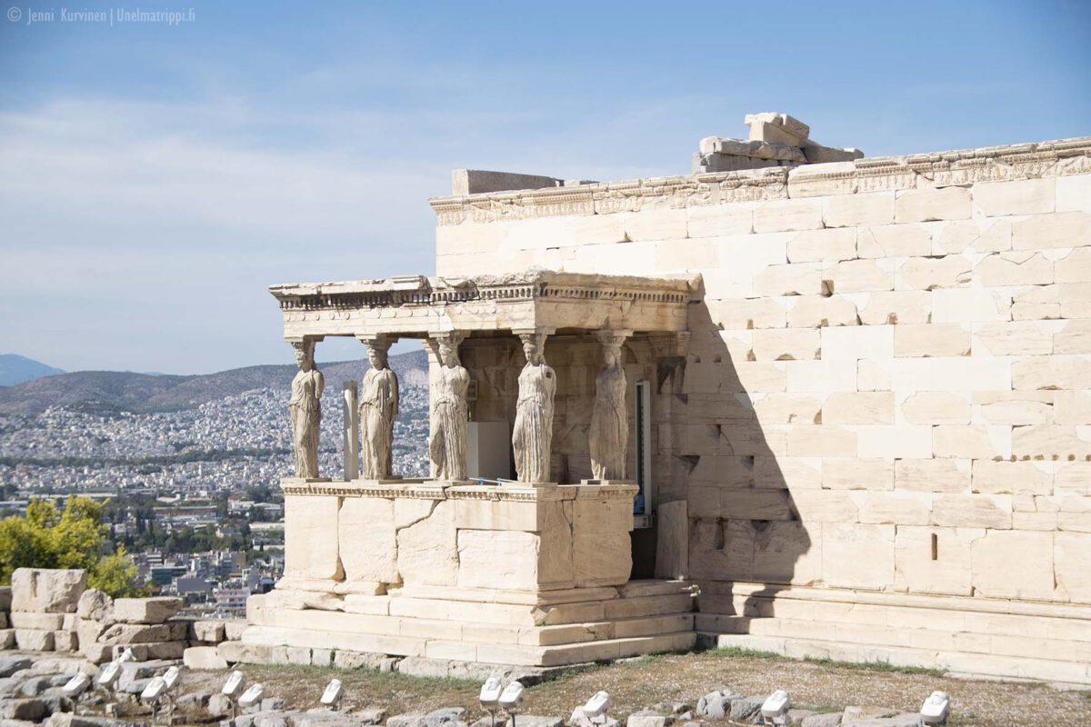 Ateenan Akropolis: arkeologisia elämyksiä ja upeita maisemia